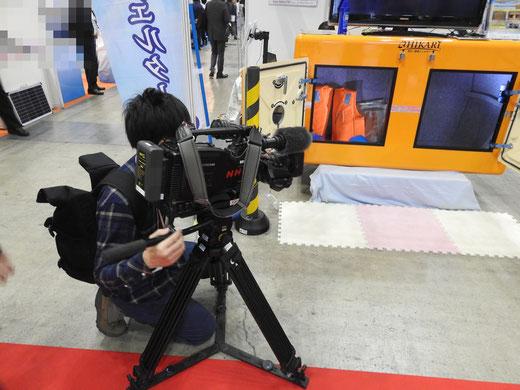 NHKニュースによる津波シェルターCLヒカリの撮影取材
