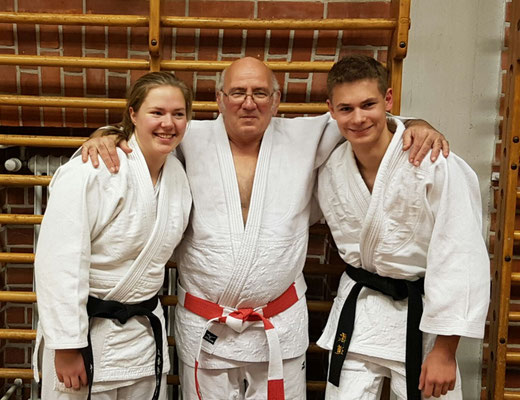Malena Köpke, Rudi Mieth und Lars Lehmann nach bestandener Prüfung.