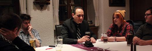 Stellvertretende Vorsitzende Elena Hierold begrüßt Ismail Ertug im Namen der Jusos Nordoberpfalz in Weiden