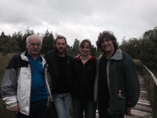 Hier die Teilnehmer der Moorwanderung (von links Gevert, Mike, Silvia, Roland)