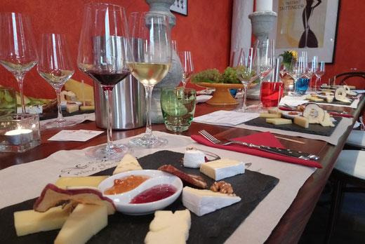 """""""Käse trifft Wein"""" Eine kommentierte Käse- und Weinprobe"""