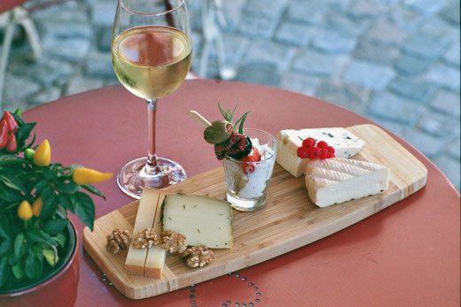 Artisan cheese and a delicious local wine - what can be better?