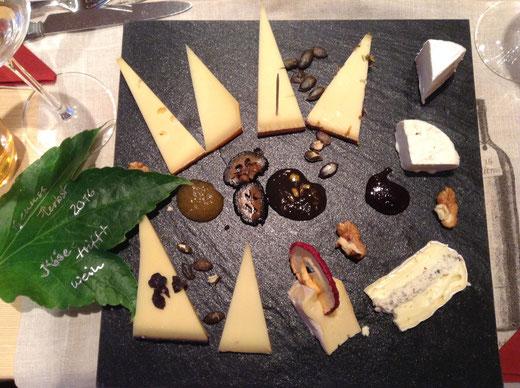 Käse- und Wein Degustation