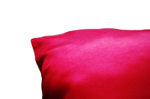 タイシルク クッションカバー  ゴールドリング デザイン レッド 【Gold Ring Design , Red】 45×45cm 対応の商品画像08