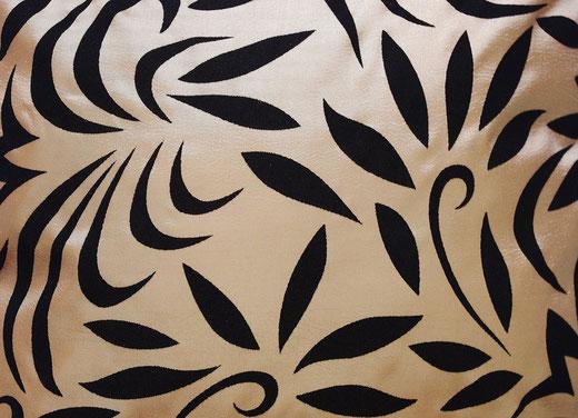 タイシルク クッションカバー  バンコク リーフ デザイン  ゴールド   【Bangkok Leaf Design , Gold】 45×45cm 対応 02