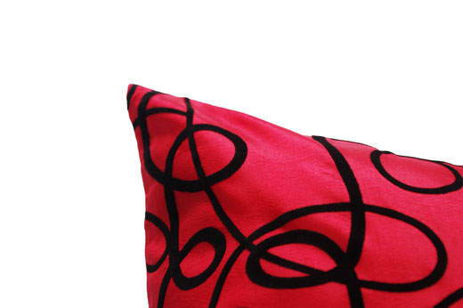 タイシルク クッションカバー  インフィニティ デザイン レッド 【Infinity Design , Red】 の商品画像02