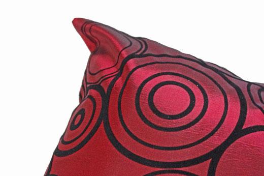 タイシルク クッションカバー  リングデザイン ワインレッド 【Ring Design , Wine Red】 45×45cm 対応の商品写真03