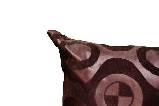 タイシルク クッションカバー  チェッカーデザイン ブラック 【Checker Design , Black】 45×45cm 対応の商品画像03