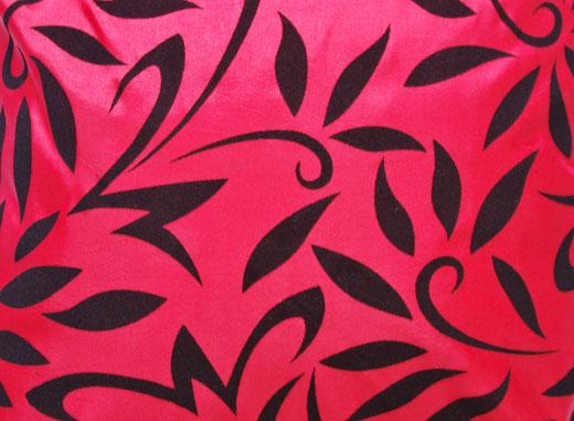 タイシルク クッションカバー  バンコク リーフ デザイン  レッド   【Bangkok Leaf Design , Red】 45×45cm 対応 02