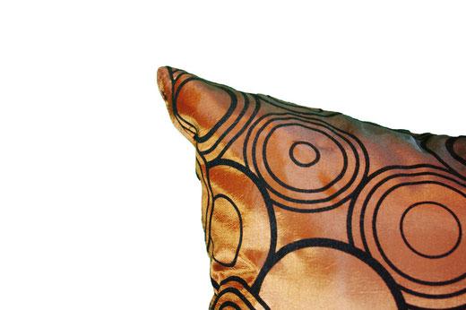 タイシルク クッションカバー  リングデザイン ブロンズ 【Ring Design , Bronze】 45×45cm 対応の商品写真13