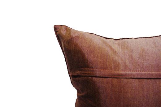 タイランド クッションカバー チェンマイ デザイン  ライトブラウン × ゴールド 【Chiang Mai Design , Light Brown × Gold】 40×40cm の商品画像04