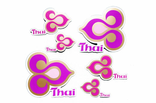 【コンプリートセット】タイ航空 ステッカー コンプリート 6枚 セット( THAILAND AIR WAYS Sticker ) L , M , S サイズ お得な各サイズ2枚セット 【Thailand Sticker】の商品画像01