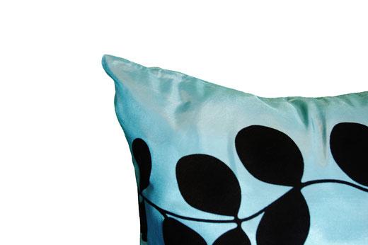 タイシルク クッションカバー  リーフ デザイン アクアブルー 【Leaf Design , Aqua Blue】 45×45cm 対応の商品写真03