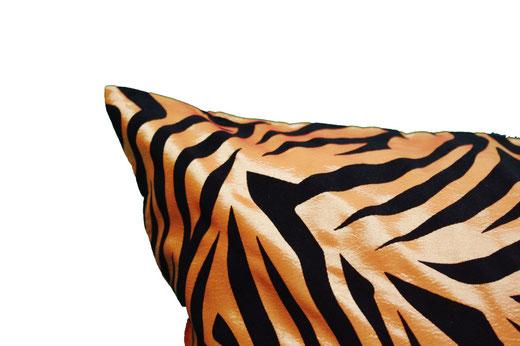タイシルク クッションカバー  ゼブラ デザイン オレンジ 【Zebra Design , Orange】 45×45cm 対応の商品画像03
