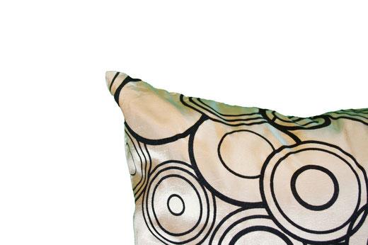 タイシルク クッションカバー  リングデザイン シャンパンゴールド 【Ring Design , Champagne Gold】 45×45cm 対応の商品写真03