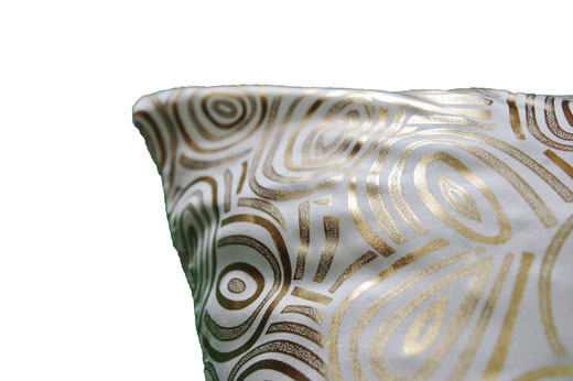 タイシルク クッションカバー  ゴールドリング デザイン ホワイト 【Gold Ring Design , White】 45×45cm 対応の商品画像04