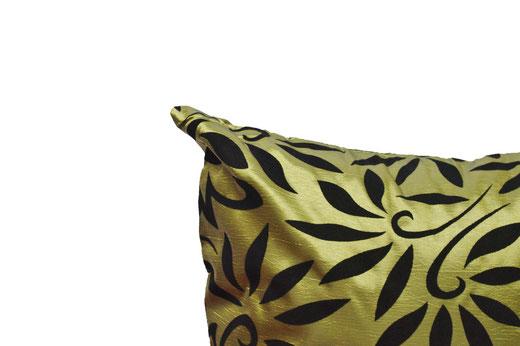 タイシルク クッションカバー  バンコク リーフ デザイン  グリーン   【Bangkok Leaf Design , Green】 45×45cm 対応 03