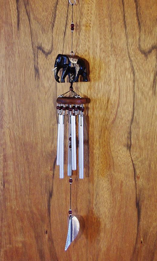 ハンドメイド 風鈴 ゾウさんエレファント ウインドチャイムの商品写真02 背面ウッド  [タイ雑貨 アジアン雑貨 タイ旅行おみやげ]