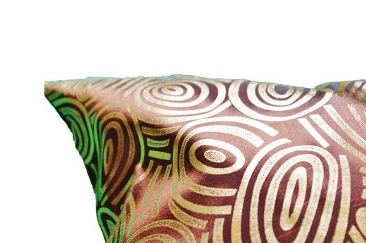 タイシルク クッションカバー  ゴールドリング デザイン ワインレッド 【Gold Ring Design , Wine Red】 45×45cm 対応の商品画像04