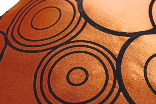 タイシルク クッションカバー  リングデザイン ブロンズ 【Ring Design , Bronze】 45×45cm 対応の商品写真02