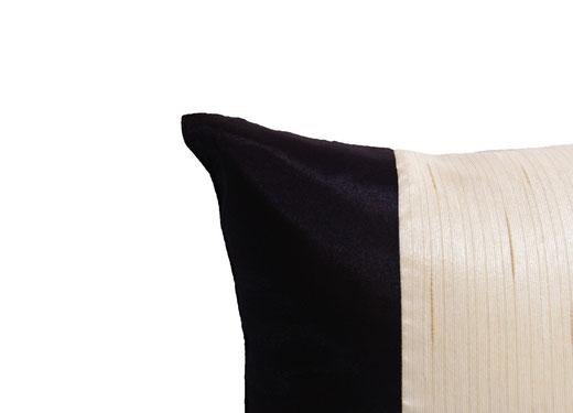 タイランド クッションカバー チェンマイ デザイン ホワイト × ブラック 【Chiang Mai Design , White × Black】 40×40cm の商品画像02