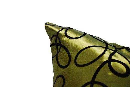 タイシルク クッションカバー  インフィニティ デザイン グリーン 【Infinity Design , Green】 の商品画像02