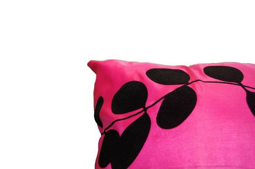 タイシルク クッションカバー  リーフ デザイン ピンク 【Leaf Design , Pink】 45×45cm 対応の商品写真04