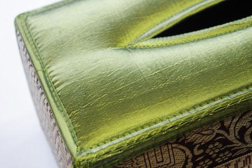 タイシルク(絹) ティッシュボックスケース ライトグリーン 黄緑色 商品写真02 [タイ雑貨 アジアン雑貨 インテリア タイ旅行おみやげ]