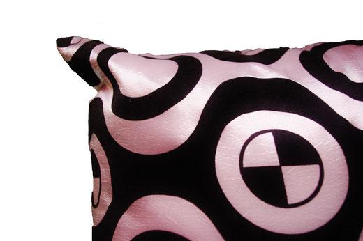 タイシルク クッションカバー  チェッカーデザイン シルバー 【Checker Design , Silver】 45×45cm 対応の商品写真04