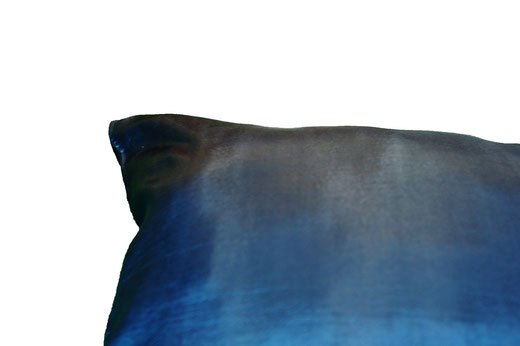 タイシルク クッションカバー  リーフ デザイン ターコイズブルー 【Leaf Design , Turquoise Blue】 45×45cm 対応の商品写真05