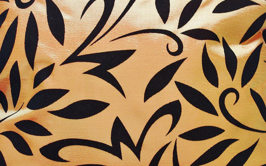 タイシルク クッションカバー  バンコク リーフ デザイン  オレンジ   【Bangkok Leaf Design , Orange】 45×45cm 対応 02