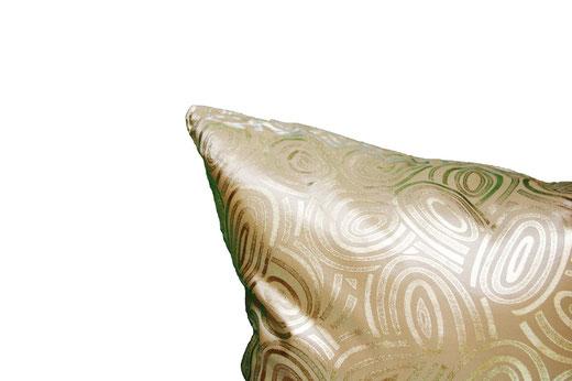 タイシルク クッションカバー  ゴールドリング デザイン ゴールド 【Gold Ring Design , Gold】 45×45cm 対応の商品写真03