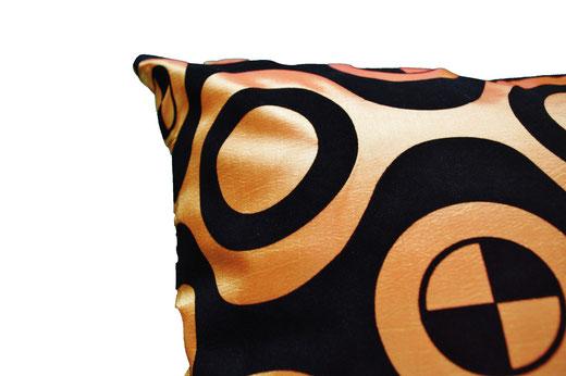 タイシルク クッションカバー  チェッカーデザイン オレンジ 【Checker Design , Orange】 45×45cm 対応の商品写真03