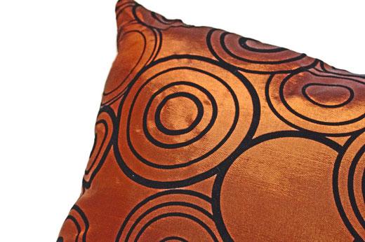 タイシルク クッションカバー  リングデザイン ブロンズ 【Ring Design , Bronze】 45×45cm 対応の商品写真03