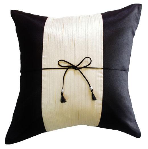 タイランド クッションカバー チェンマイ デザイン ホワイト × ブラック 【Chiang Mai Design , White × Black】 40×40cm の商品画像01