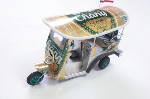 ハンドメイド トゥクトゥク (TUK TUK) チャーンビール(ビアチャン) Chang Beer の商品写真01 [タイ雑貨 アジアン雑貨 タイ旅行おみやげ]