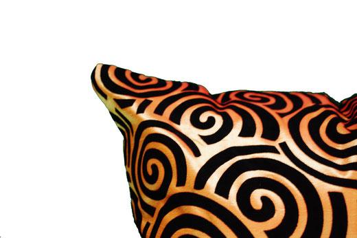 タイシルク クッションカバー  スクリュー デザイン オレンジ 【Screw Design , Orange】 45×45cm 対応の商品画像03