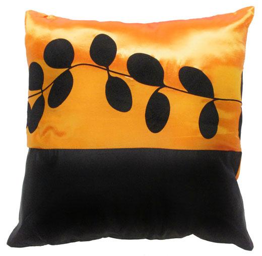 タイシルク クッションカバー  リーフ デザイン オレンジ 【Leaf Design , Orange】 45×45cm 対応の商品写真01