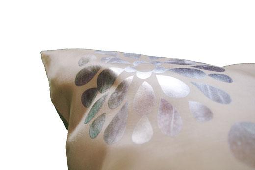 タイシルク クッションカバー  フラワー デザイン パールホワイト 【Flower Design , Pearl White】 45×45cm 対応の商品画像04