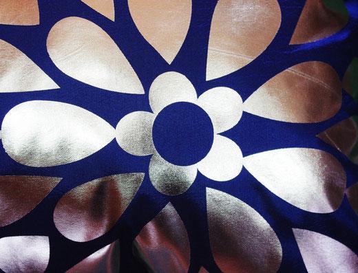 タイシルク クッションカバー  フラワー デザイン ブルー 【Flower Design , Blue】 45×45cm 対応の商品画像02