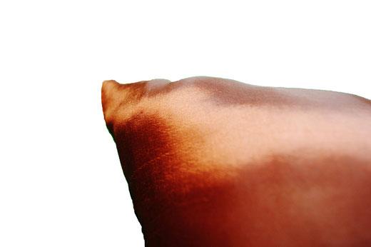 タイシルク クッションカバー  スクリュー デザイン ブラウン 【Screw Design , Brown】 45×45cm 対応の商品画像07
