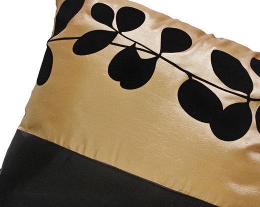 タイシルク クッションカバー  リーフ デザイン ゴールド 【Leaf Design , Gold】 45×45cm 対応の商品写真03