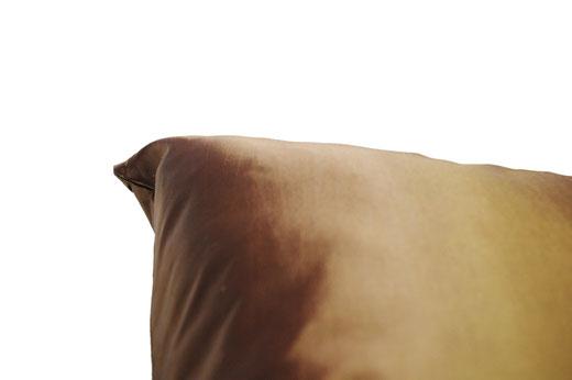 タイシルク クッションカバー  シンプル デザイン ゴールド 【Simple Design , Gold】 の商品画像03