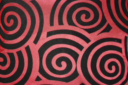 タイシルク クッションカバー  スクリュー デザイン ワインレッド 【Screw Design , Wine Red】 45×45cm 対応の商品画像02