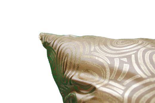 タイシルク クッションカバー  ゴールドリング デザイン ゴールド 【Gold Ring Design , Gold】 45×45cm 対応の商品写真04