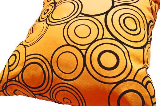 タイシルク クッションカバー  リングデザイン オレンジ 【Ring Design , Orange】 45×45cm 対応の商品写真03