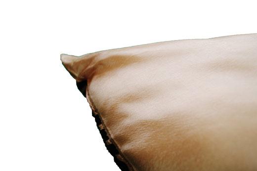 タイシルク クッションカバー  スクリュー デザイン ゴールド 【Screw Design , Gold】 45×45cm 対応の商品画像08