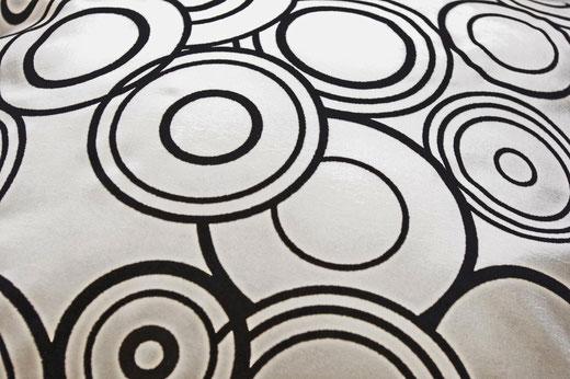 タイシルク クッションカバー  リングデザイン パールホワイト 【Ring Design , Pearl White】 45×45cm 対応の商品写真02
