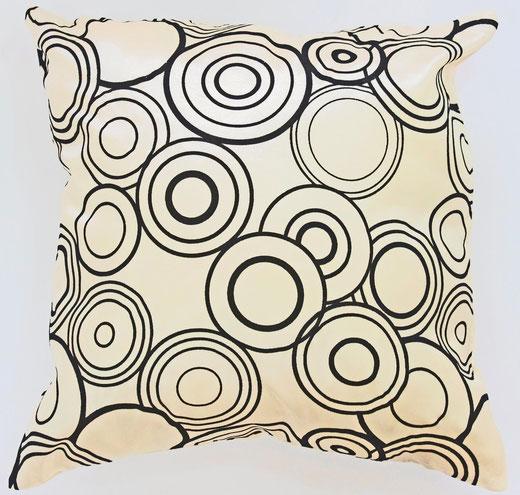 タイシルク クッションカバー  リングデザイン パールホワイト 【Ring Design , Pearl White】 45×45cm 対応の商品写真01