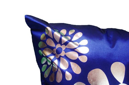タイシルク クッションカバー  フラワー デザイン ブルー 【Flower Design , Blue】 45×45cm 対応の商品画像03